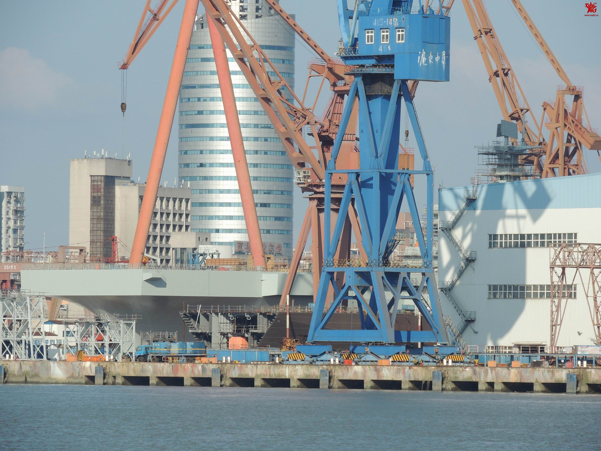 Type 075 landing helicopter dock (LHD) 48732798093_989d091ea2_k