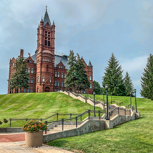 Syracuse University Crouse College