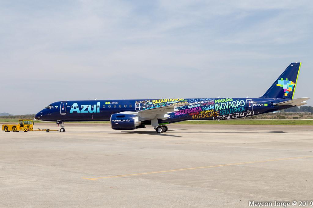 Entrega do primeiro Embraer 195 E-2 Azul Linhas Aéreas PR-PJN