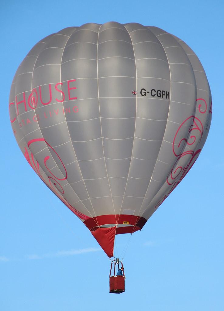 Ultramagic S-50 G-CGPH Longleat, Warminster, UK 14/09/19
