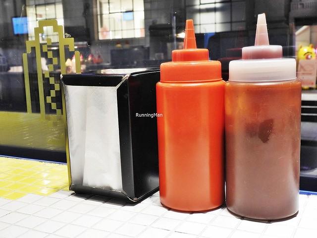 Condiments & Serviettes