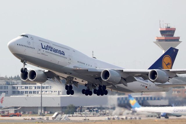 Lufthansa B747-8i D-ABYD departing FRA/EDDF