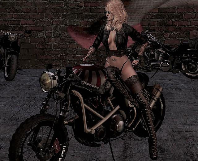 Girls on Bikes!