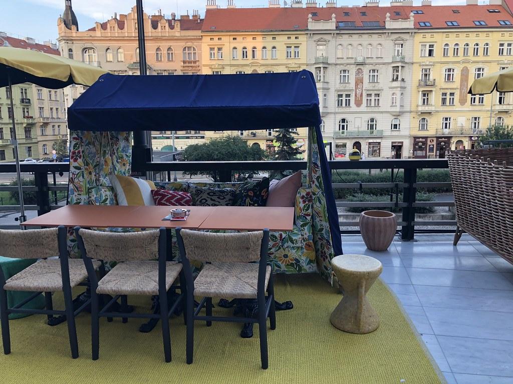 ママシェルタープラハ_レストラン3