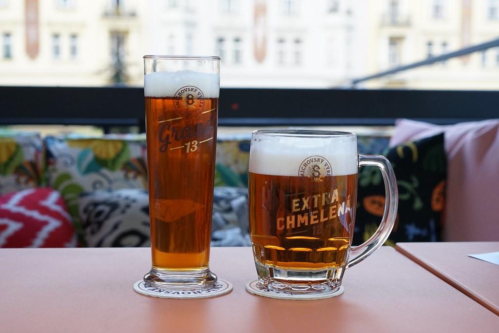 ママシェルタープラハ_ビール