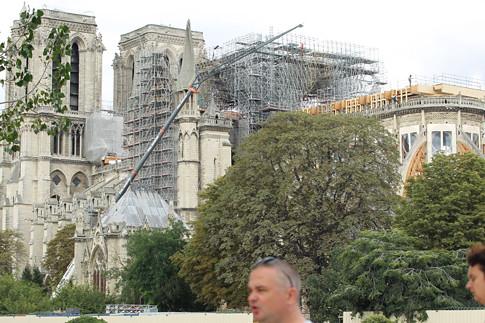 19h29 Notre Dame C_0012 Uti 485