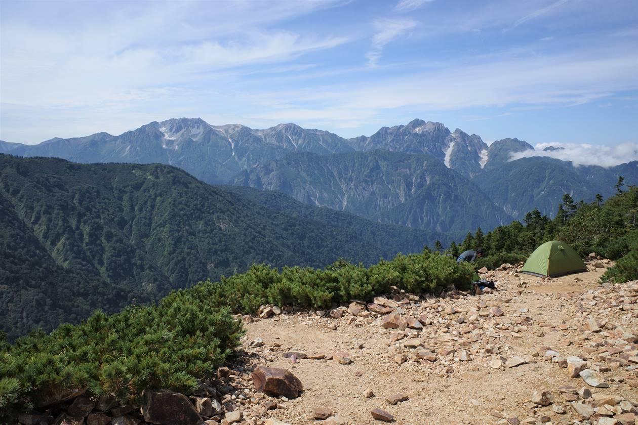 冷池山荘テント場からの剱岳の展望