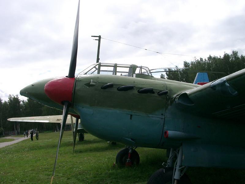 Petlyakov Pe-2 3