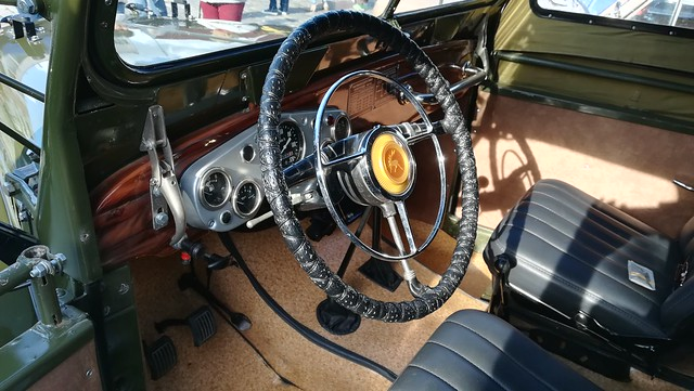 Russian Cars 4x4 Oldtimer Dashboard (c) 2019 Берни Эггерян :: rumoto images 161001
