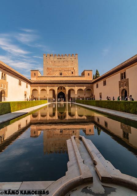 patio de palacio de comares , alhambra , granada
