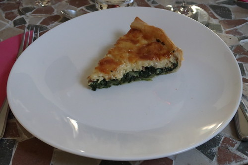 Quiche aux épinards et comté (= Blätterteig-Quiche mit Spinat, Pinienkernen und Comté)