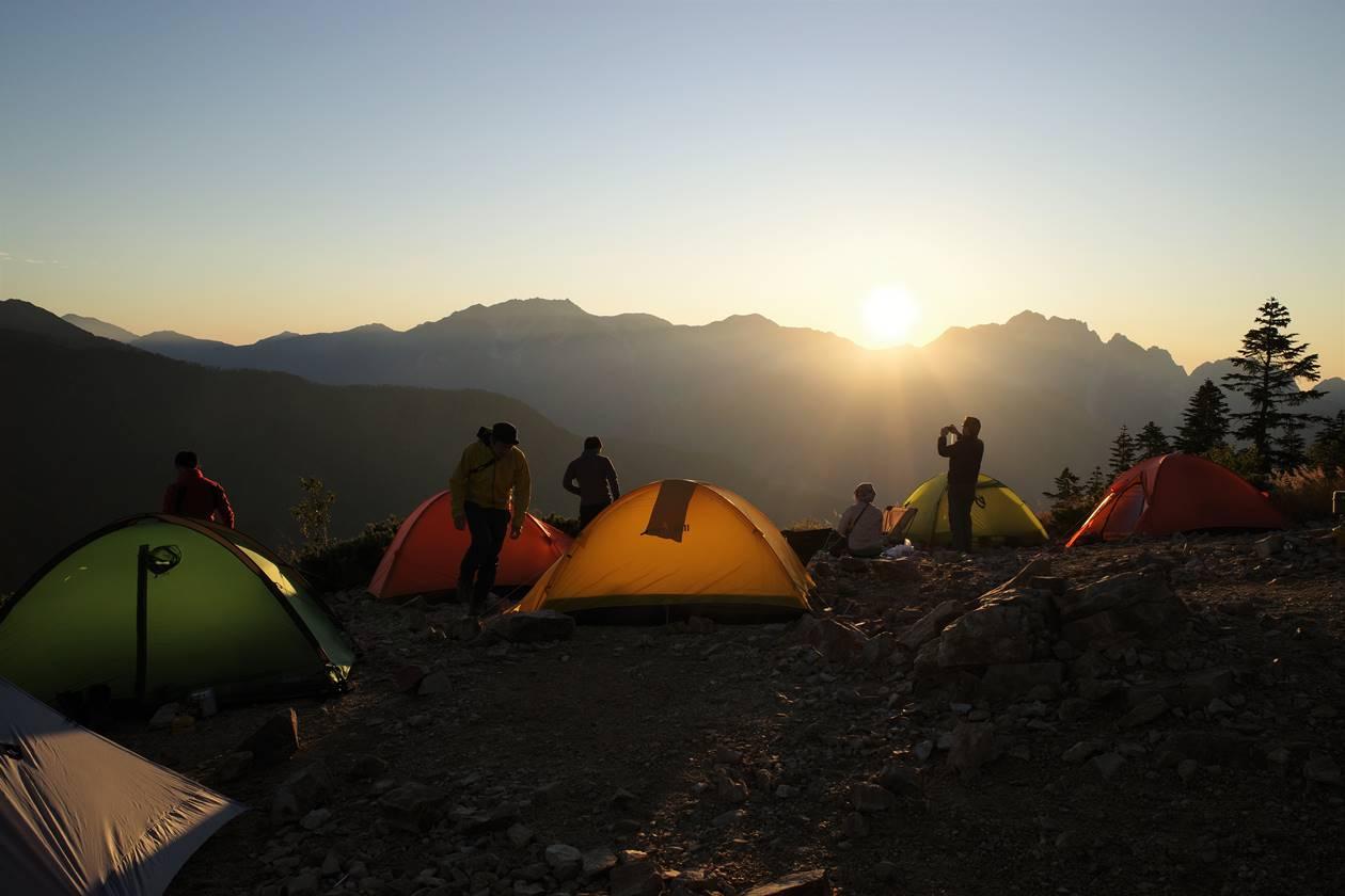 冷池山荘テント場から眺める夕日