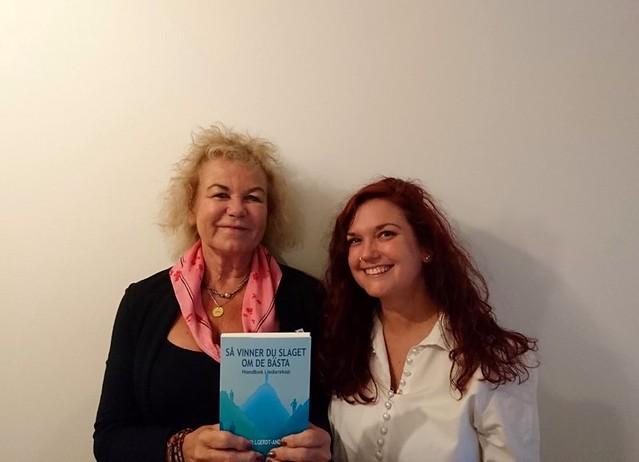Så vinner du slaget om de bästa - en handbok i ledarskap är en bok där Clara Löfvenhamn från Bossbloggen bidrar med sin expertis om framtidens ledarskap