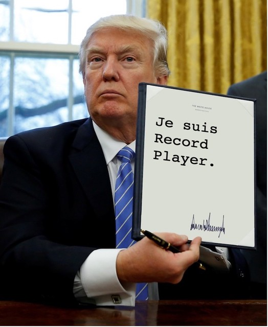 Trump_recordplayer