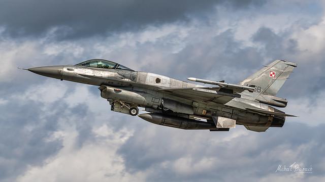 Lockheed Martin F-16C Jastrząb (4058)