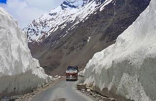 Bara-lacha (Bārā Lācha La) Pass in Himachal Pradesh