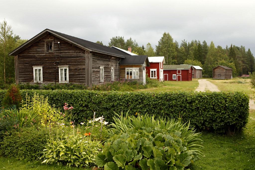 Maalismaan_kylä