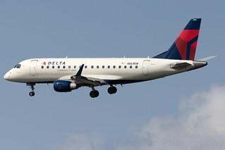 N869RW Delta Connection ERJ-170 New York LaGuardia