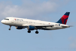 N371NW Delta Airlines A320-200 new York LaGuardia
