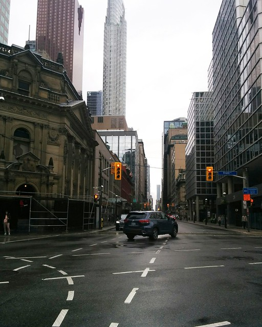 Looking north, Yonge at Front #toronto #yongestreet #frontstreet #rain #afternoon #grey