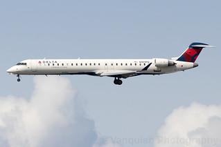 N304PQ Delta Connection CRJ-900 New York LaGuardia