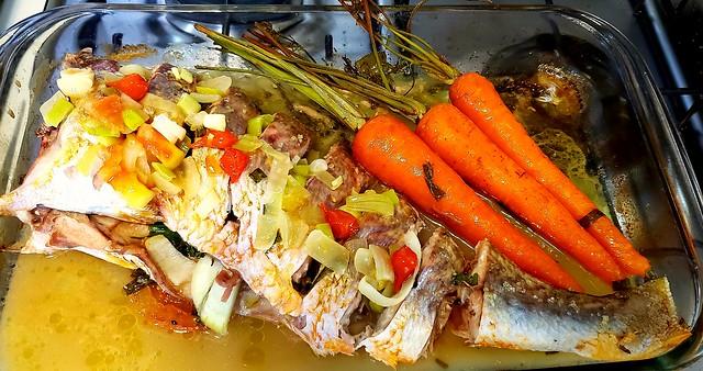 #150919 #almoço #peixe assado #lunch #roasted fish