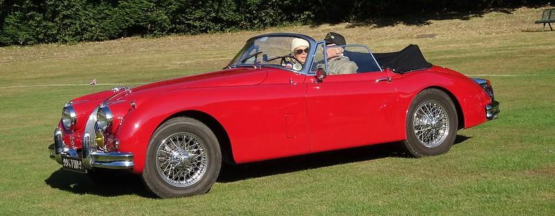 Jaguar 3,8 litres MK2 1962 et XK 150 - 48739055147_da14110f3c_c