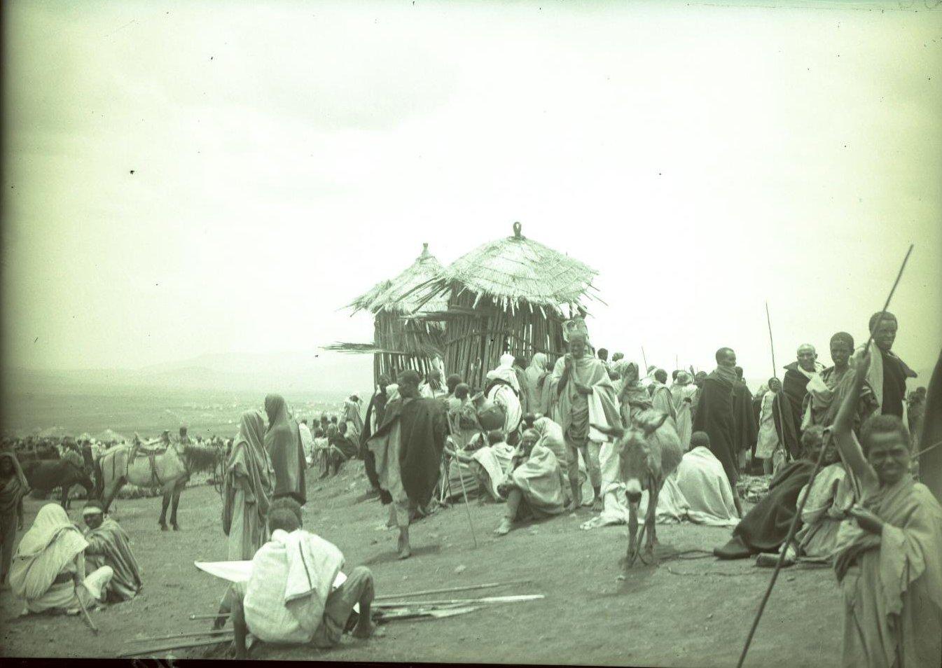 360.1899. Абиссиния, Аддис-Абеба. Базар. Чикка-Шум (старосты деревни)