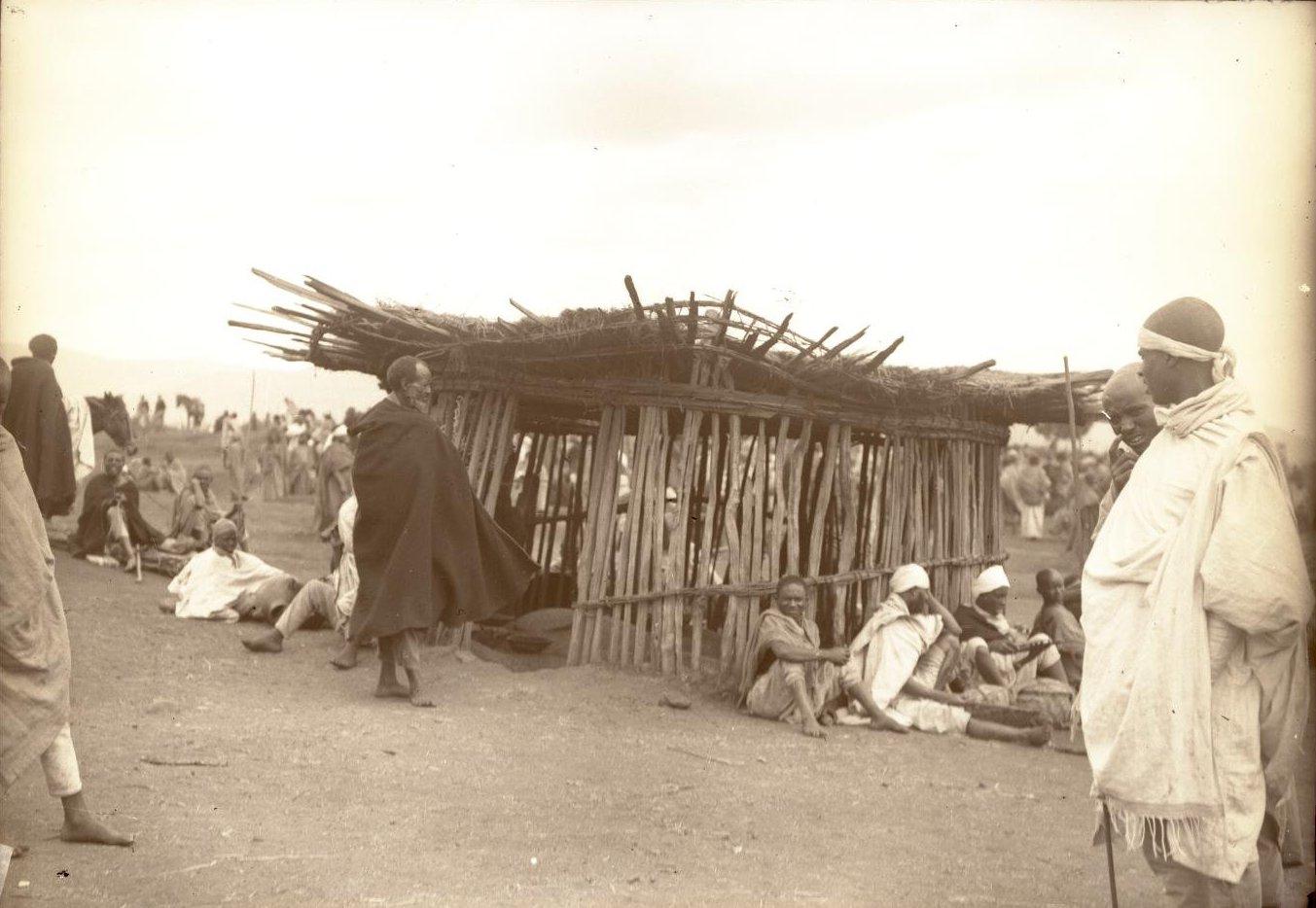 355.1899. Абиссиния, Аддис-Абеба. Базар, таможня