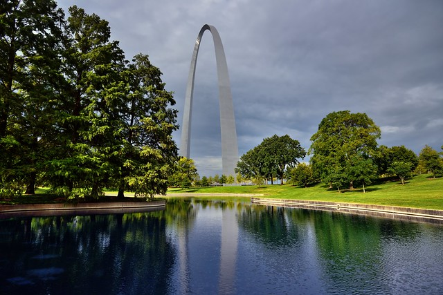 Reflections of the Gateway Arch (Gateway Arch National Park)