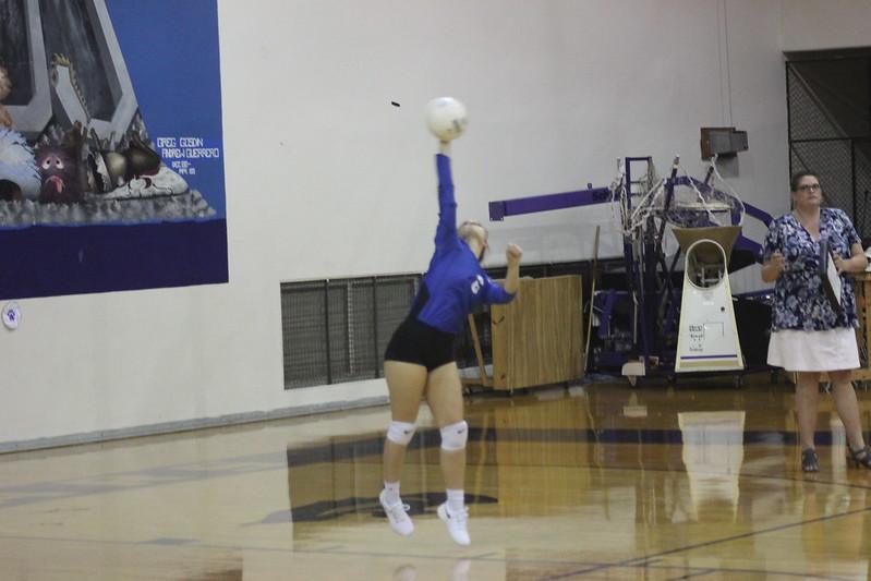 LBJ volleyball varsity 9/13/19 (Thea Cahoon)