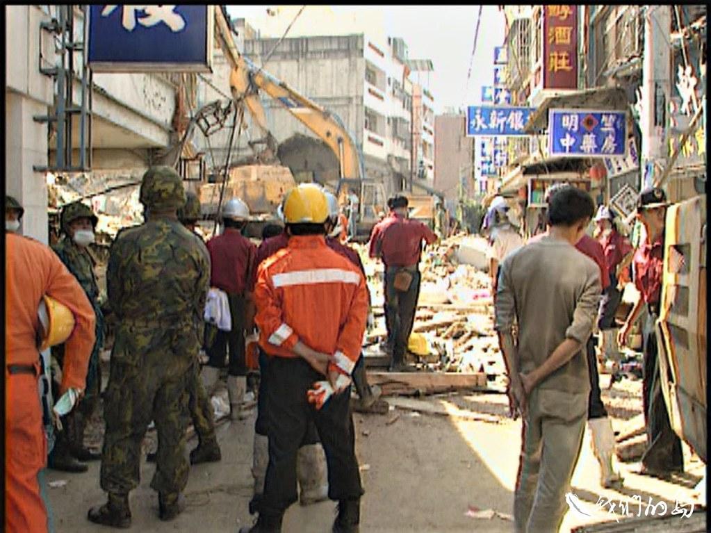 九二一地震的震央集集,當時死亡36人,房屋全倒126間,半倒755間。
