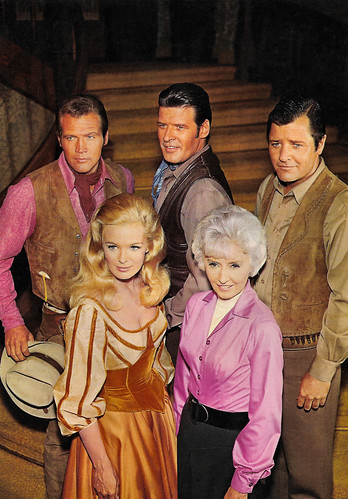 Barbara Stanwyck, Linda Evans, Lee Majors, Richard Long and Peter Breck in The Big Valley (1965)