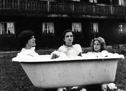 Anny Duperey, Jean-Pierre Léaud and Sydne Rome in Umarmungen und andere Sachen (1975)