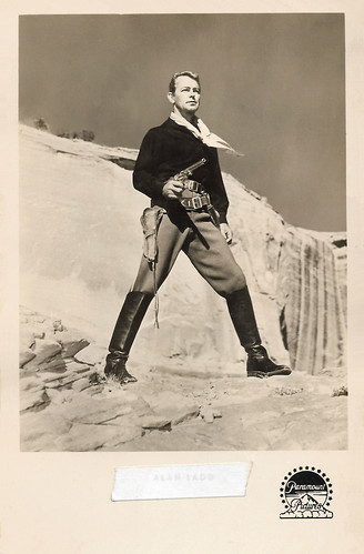 Alan Ladd in Red Mountain (1951)