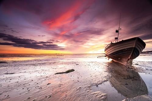 essex thorpebay boat fishingboat mud sunset southend riverthames