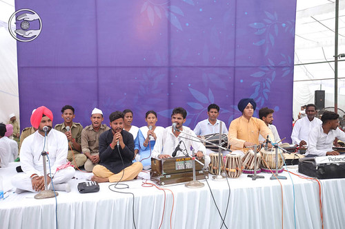 A group song by Jagmeet and Saathi