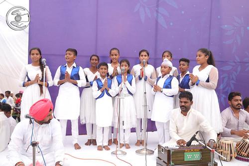 Bal Sangat Bathinda presented Welcome song