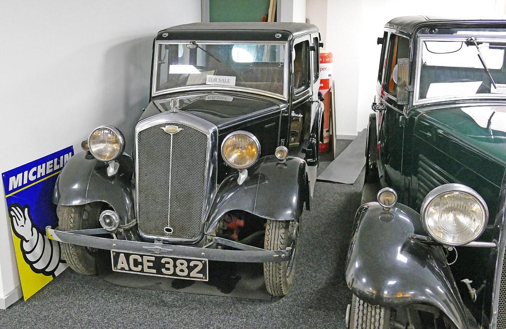 D22081.  1934 Wolseley 9.