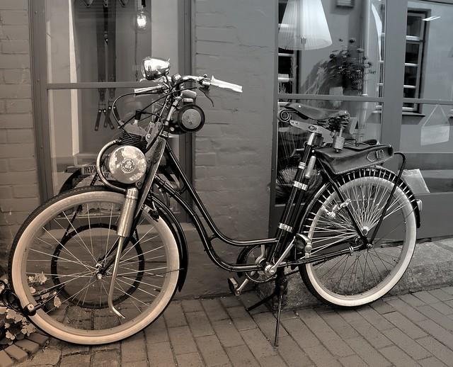 Ein altes Mofa in Eckernförde-1 E90