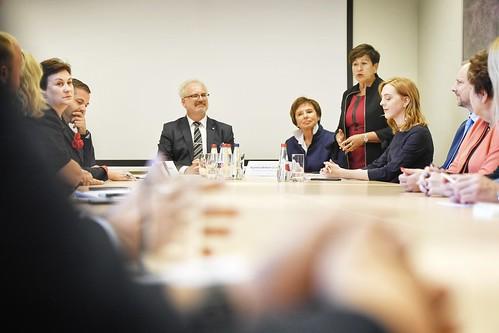 """Valsts prezidents Egils Levits piedalās grāmatas """"Patvēruma meklētāju problēma un tās risinājumi Eiropas Savienībā un Latvijā"""" atvēršanas svētkos"""
