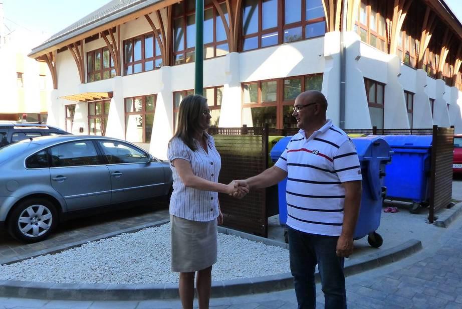 Robog a kampány Makón, átadtak 7 új parkolóhelyet