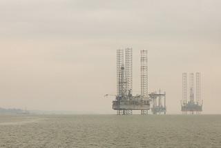 _Z2A3193 jackup rigs in Johor Strait