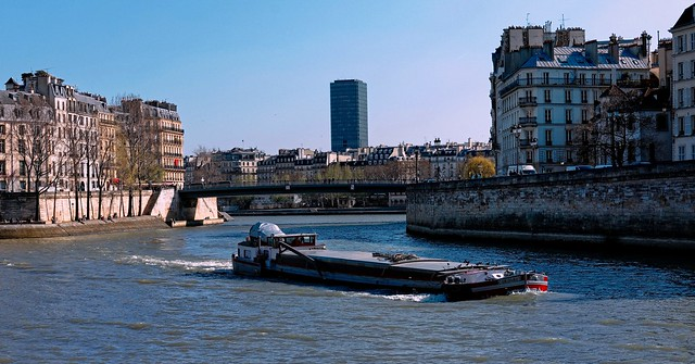 Paris / Barge on the Seine
