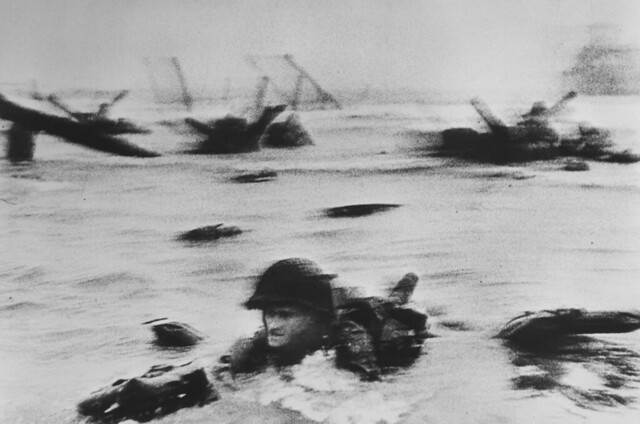 Robert Capa D-Day 1944