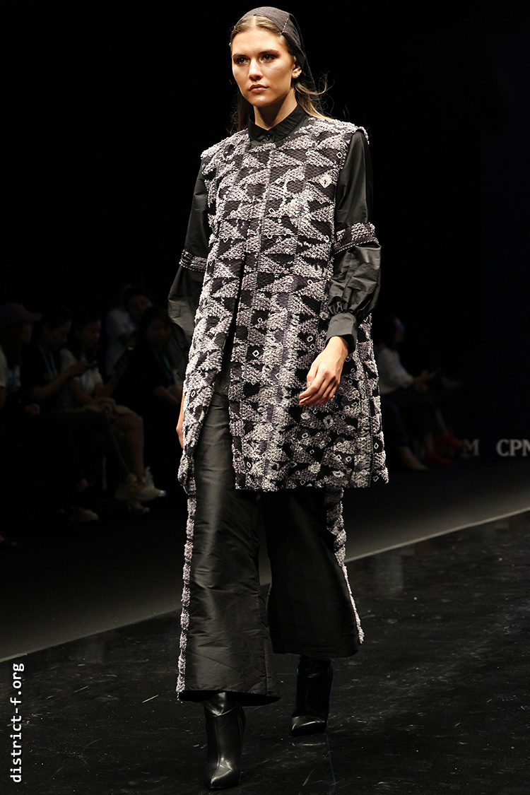 DISTRICT F — Collection Première Moscow SS19 — Indonesia 865пв