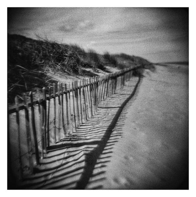 FILM - Beach fence