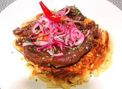 RED WINE-BRAISED VEAL SHANK SLICE WITH TAGLIATELLE & YUCATAN CEBOLLA EN ESCABECHE ON A CRISPY NOODLE PILLOW