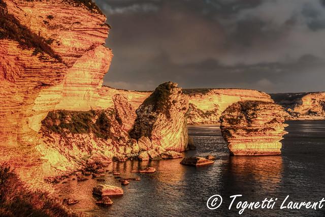 falaises de Bonifacio au coucher d'un soleil hivernal