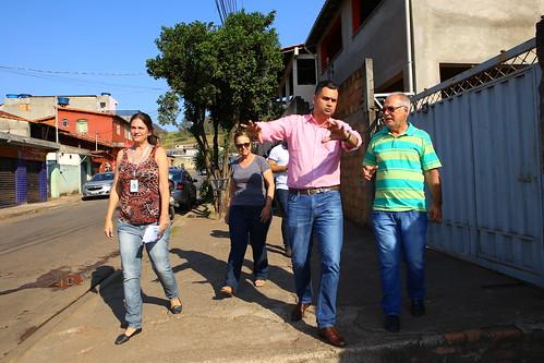 Visita técnica para verificar as condições de drenagem das águas pluviais na Rua das Flores, Bairro Pilar - Comissão de Saúde e Saneamento